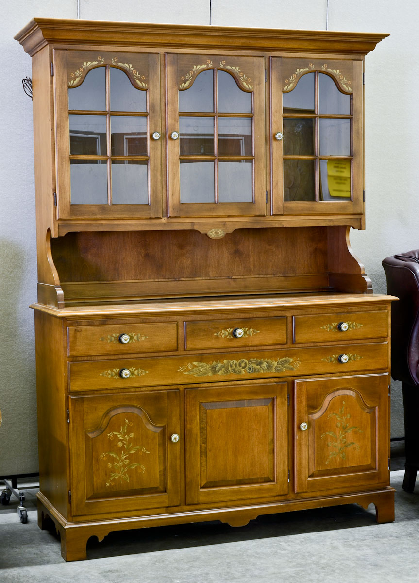 Hitchcock Furniture At Nest Egg Auctions
